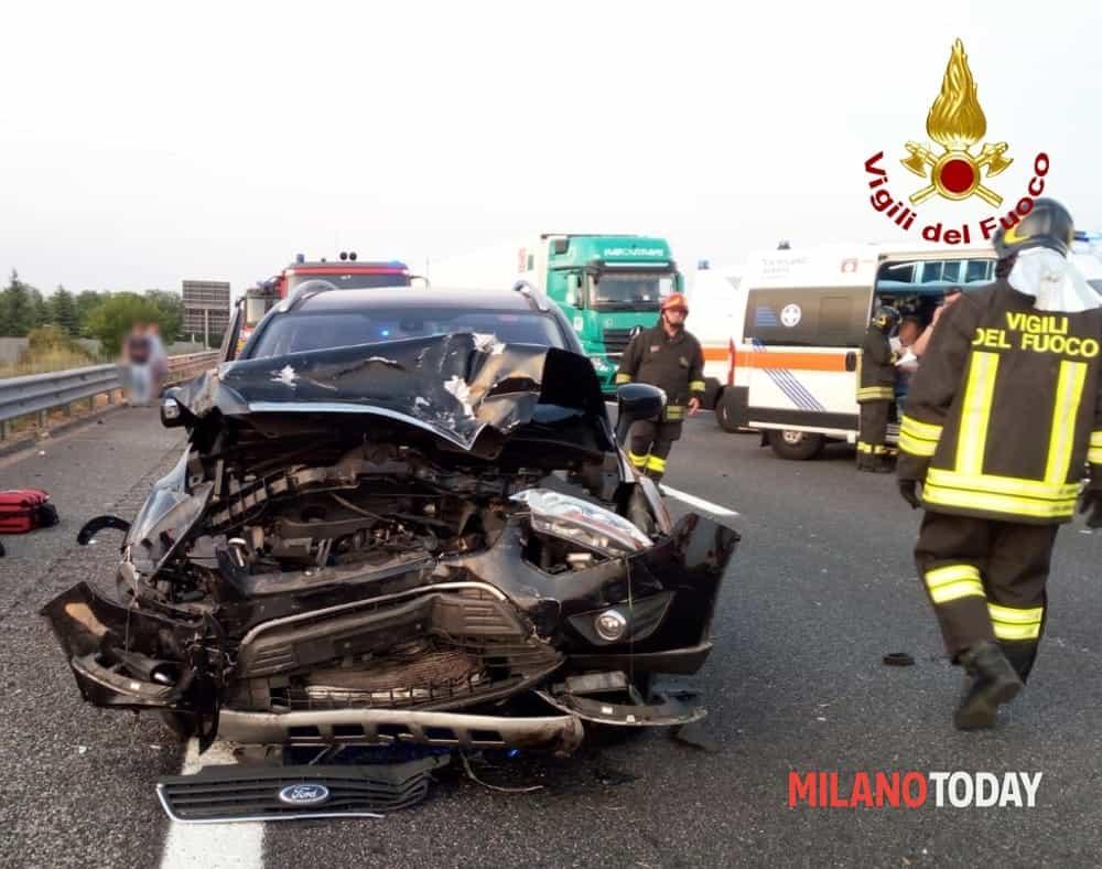 incidente a4 tamponamento vigili del fuoco ambulanza-2