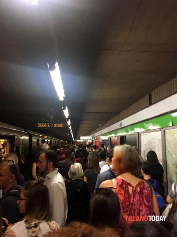 caos metro folla-2