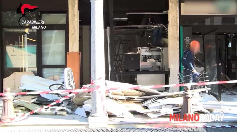 esplosione bancomat 1-2