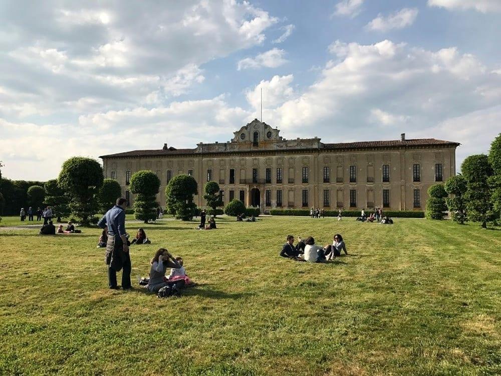 A Milano riapre anche Villa Arconati