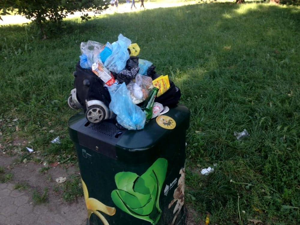 Cestini Rifiuti Da Bagno : Cestini pieni di rifiuti domestici è allarme: sono in aumento a milano