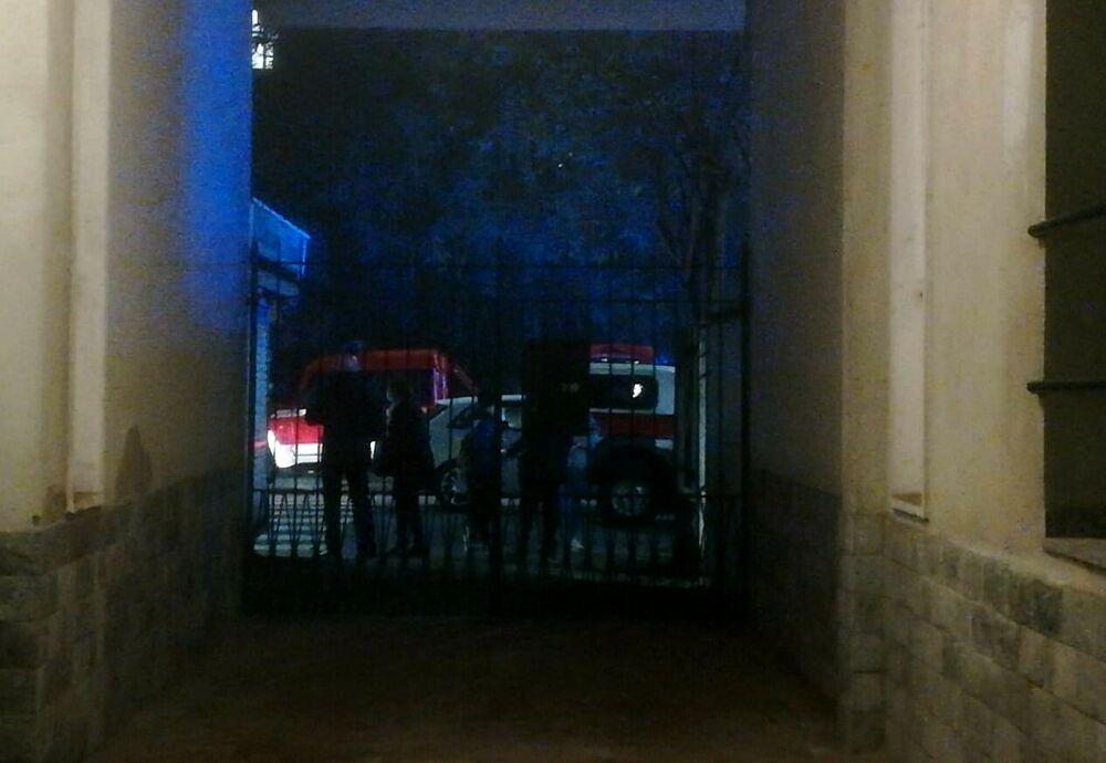 Bresso (Milano), due agenti della polizia locale accoltellati: uno è grave