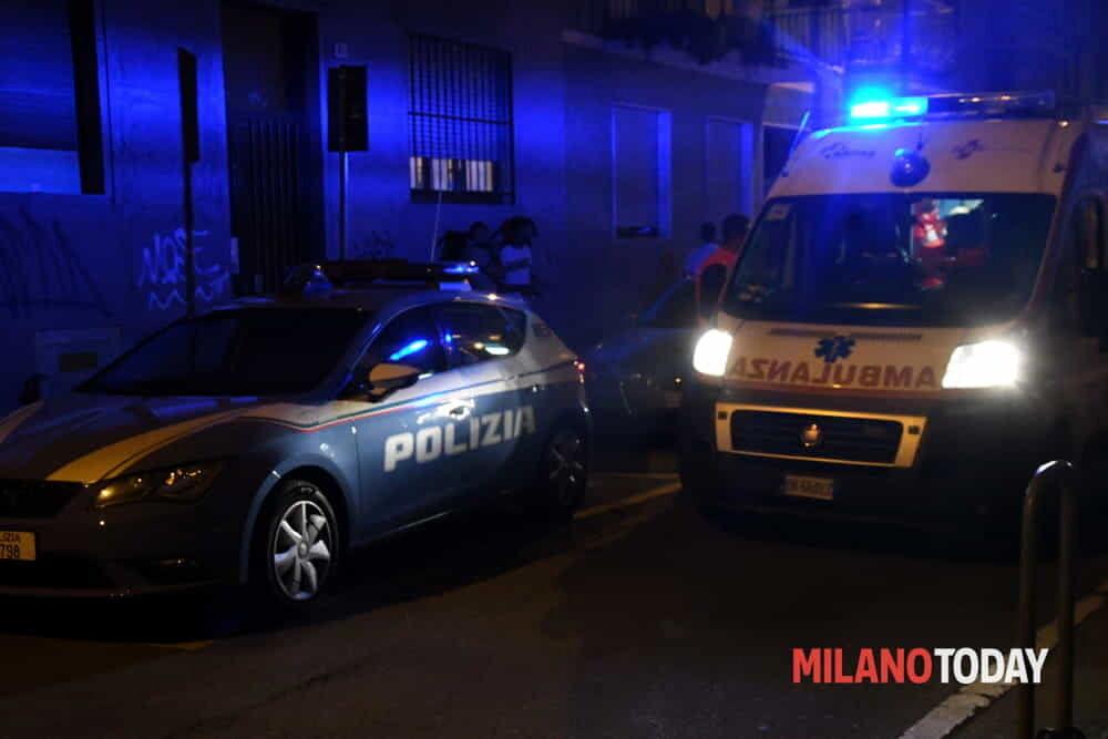 Omicidio a Milano, uomo uccide il fratello a coltellate davanti alla madre