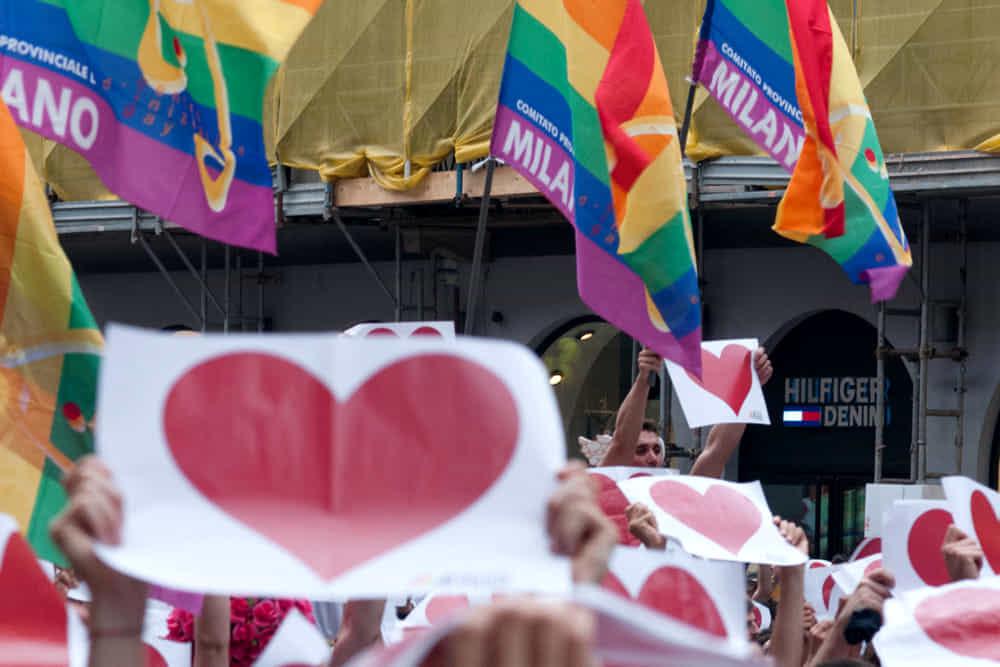 La grande manifestazione per il Ddl Zan a Milano contro l'odio omotransfobico