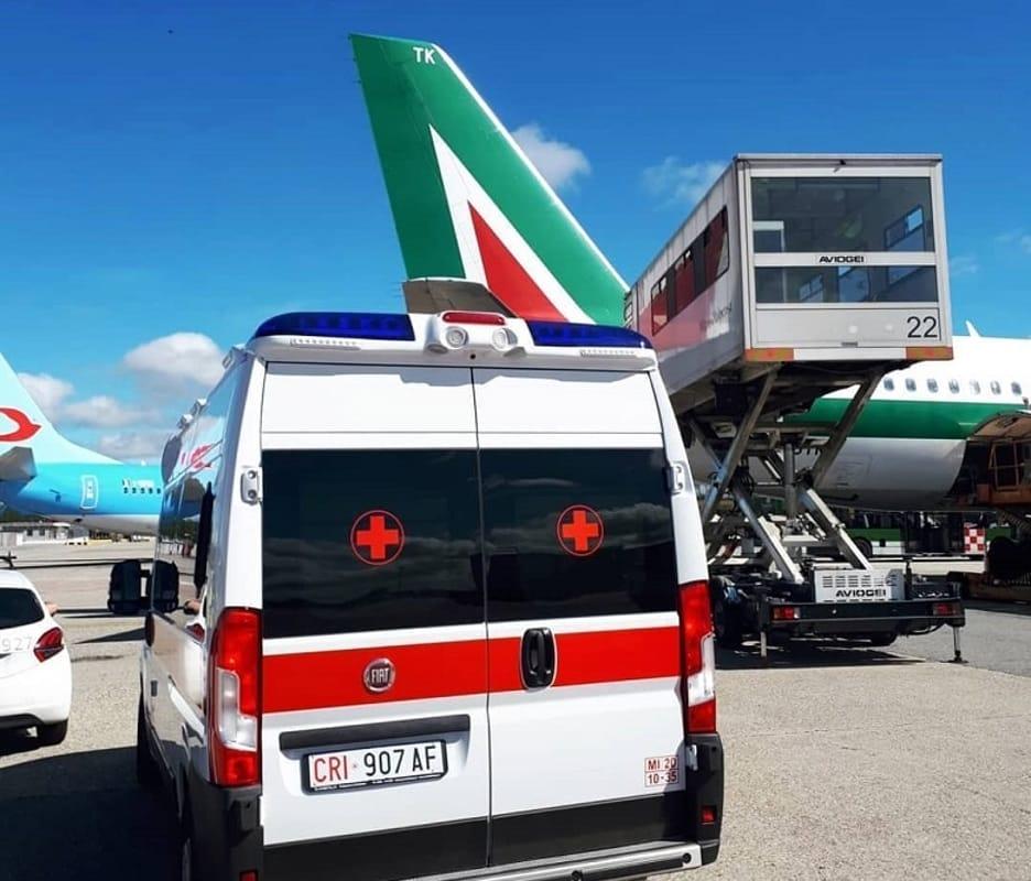 aereo alitalia ambulanza-2