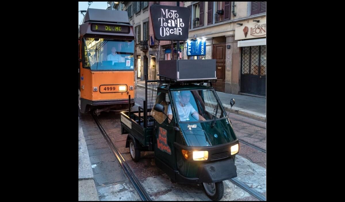 L'ultimo spettacolo del mitico micro teatro-apecar a Milano