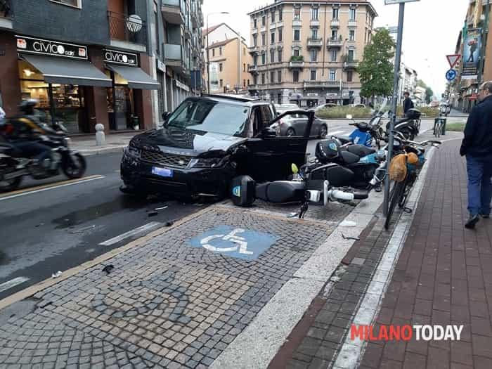 Incidente Range Rover - Foto Emiliano Petruzzi 1